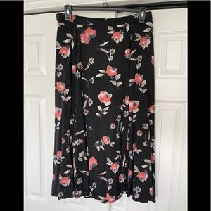 Jacque and Koko long skirt black with pink flowers